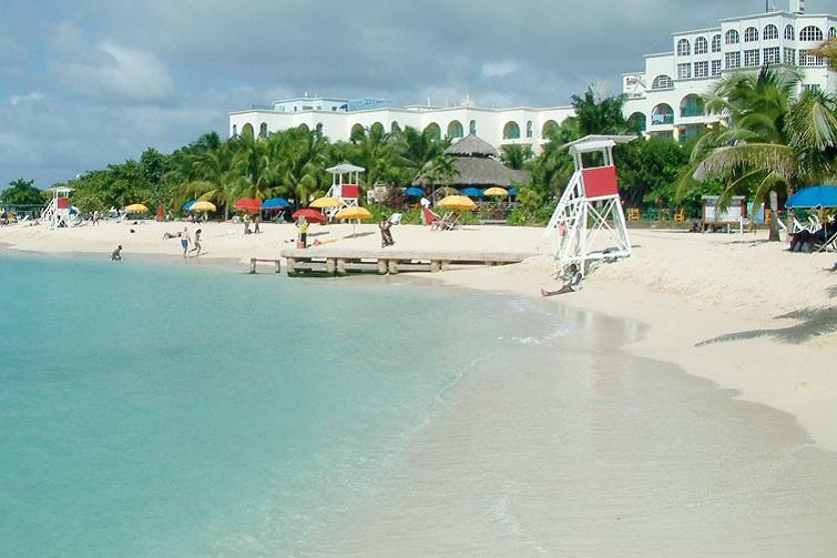 Doctor's Cave Beach Montego Bay Jamaica